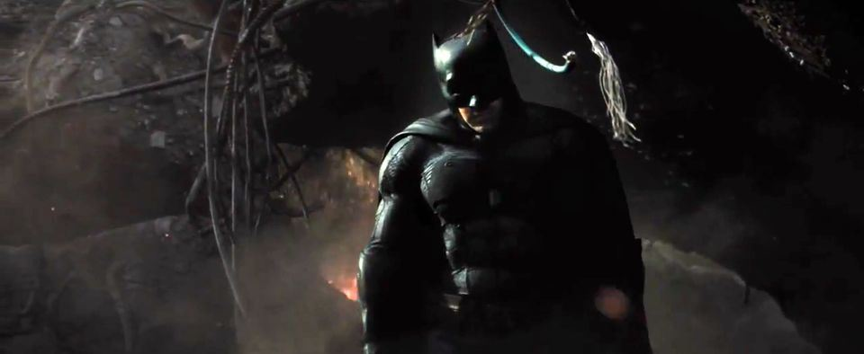 Batman-vs-Superman-Dawn-of-Justice-Official-TRAILER-7