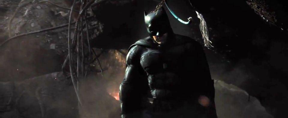 Batman-vs-Superman-Dawn-of-Justice-Official-TRAILER-7